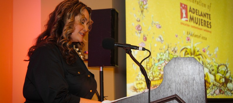 Bring Your Event Together With a Great Emcee